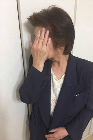 なつこ4千円